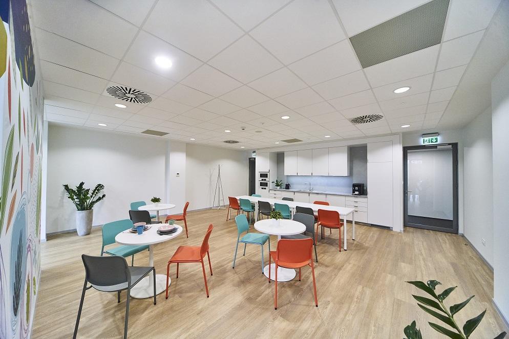 AT OFFICE – BIURA IDEALNIE DOPASOWANE