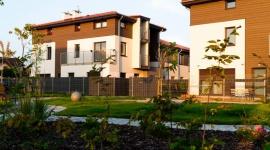 Zamieszkaj w Kiełczowie – Mieszkanie trzypokojowe z dużym ogrodem